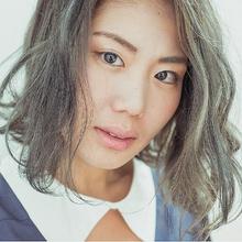 ハイライトとアッシュで透明感|HAIR MAKE FEEL 本店のヘアスタイル
