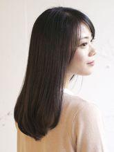 ストレートセミロング|S.のヘアスタイル