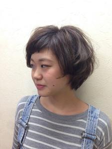くすませカラーでクールビューティー|Hair Collection MOVEのヘアスタイル