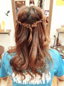 落とし編み込みで立体感と柔らかさアップ!|Hair Collection MOVEのヘアスタイル