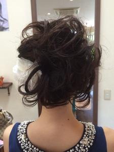 女性らしさと可愛さをイメージさせるアップスタイル|Hair Collection MOVEのヘアスタイル