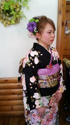 豪華な生花で髪飾り ヘア&フェイスサロン プリティ〜 水口 きみこのヘアスタイル