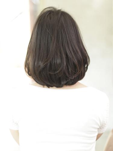 艶やかな大人らしいミディアムボブスタイル☆髪が内巻きにまとまり艶が出るようにカットします!!