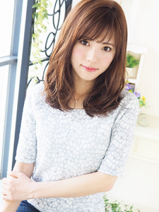 Natural クール可愛い☆さらふわセミディ|JurerBelleのヘアスタイル
