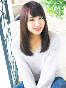 可愛く清楚なストレートセミディ☆|JurerBelleのヘアスタイル