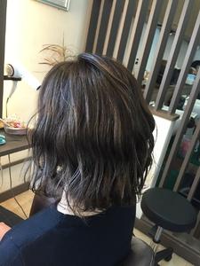 動きのあるボブスタイル|髪結ぃやのヘアスタイル