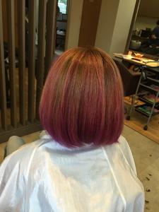 ビビッとカラーのピンクグラデーション!|髪結ぃやのヘアスタイル