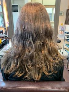 大人気ミルクティーカラー|髪結ぃやのヘアスタイル