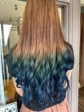 コバルトブルーグラデーションカラー|髪結ぃやのヘアスタイル