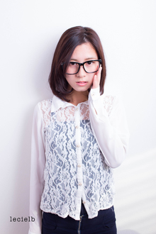 シンプルボブ×メガネ女子♪|Le cielbのヘアスタイル