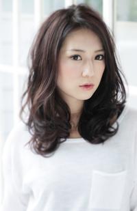 前髪のない黒髪スタイル〜エレガントカジュアル