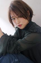 ひし形大人ショートボブ M862|Lila by afloatのヘアスタイル