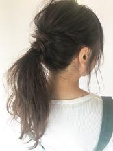 お洒落なポニーテール T−24|Lila by afloatのヘアスタイル