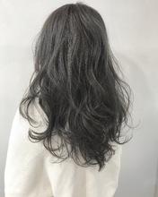 柔らか質感*透明感モノトーングレージュ k25|Lila by afloatのヘアスタイル
