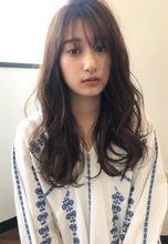 大きめゆるふわカーキアッシュの柔らかカール【k95】|Lila by afloatのヘアスタイル