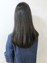 艶まとまる潤い艶感ストレート【k107】|Lila by afloatのヘアスタイル