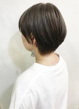 柔らかシルエットまとまる愛されショート【k109】|Lila by afloatのヘアスタイル