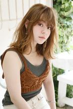 ランダムな束感でルーズに動かしたAラインロブ|Lila by afloat 小笠原 剛のヘアスタイル