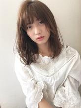 フェミニン仕上げが可愛いニュアンスセミディ【k116】|Lila by afloatのヘアスタイル