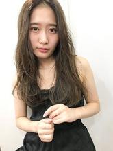 韓国風カジュアルロング T−10|Lila by afloatのヘアスタイル