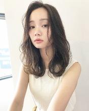 愛されカジュアルフェミニンセミディ【k136】|Lila by afloatのヘアスタイル