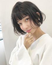 黒髪で可愛いラフ感ショートボブ【k149】|Lila by afloatのヘアスタイル