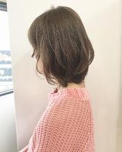 可愛くフェミニンロブ【k154】|Lila by afloatのヘアスタイル