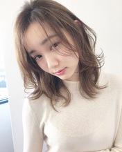 愛されレイヤーの大人フェミニン【k166】|Lila by afloatのヘアスタイル