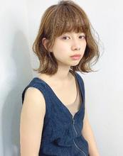 くびれカールロブ【k267】|Lila by afloatのヘアスタイル