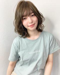カジュアルあるレイヤー【k272】 Lila by afloatのヘアスタイル