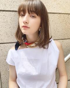 可愛い内巻きフェミニンロブ【k276】 Lila by afloatのヘアスタイル