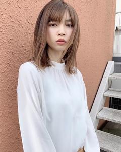 ラフに柔らかセミディ【k332】|Lila by afloatのヘアスタイル