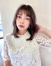 頬にかかるミディレイヤー【s48】|Lila by afloatのヘアスタイル
