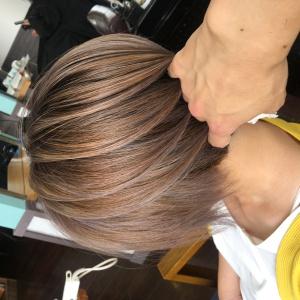 シャドールーツ×ハイライト×バレイヤージュ|Loco Styleのヘアスタイル