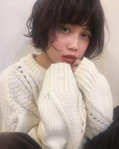 ゆるふわフェミニンパーマショート|Maria by afloatのヘアスタイル