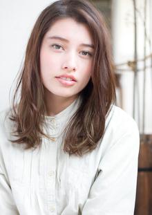 大人可愛いゆるカールセミディ デジタルパーマ ハイライトs-509|Maria by afloatのヘアスタイル