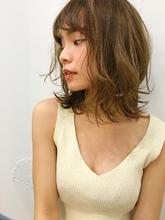 小顔ミディアムゆるふわパーマ|Maria by afloatのヘアスタイル