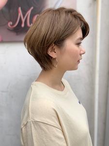 流しバング丸みひし形ショートボブディy54|Maria by afloatのヘアスタイル
