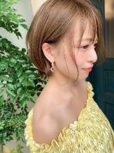 小顔になる顔まわりのカット 束感センシュアルショート|Maria by afloatのヘアスタイル