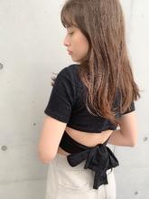 小顔になれるロング 顔まわりカットグレージュカラー|Maria by afloatのヘアスタイル