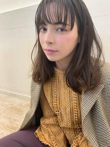 透け感たっぷりシースルーバングゆるふわセミディy76|Maria by afloatのヘアスタイル