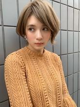 ブランジュ外ハネショートボブディ流しバングy83|Maria by afloatのヘアスタイル