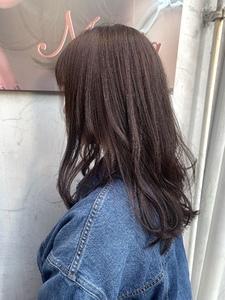 春らしく柔らかいラベンダーグレージュ|Maria by afloatのヘアスタイル