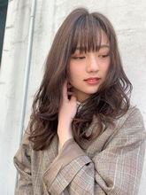 動きが出やすいレイヤーパーマスタイル|Maria by afloat 篠田 実柚のヘアスタイル
