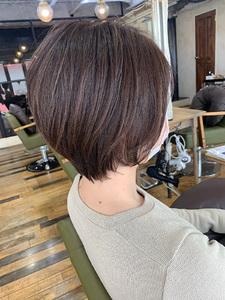 厚めバングひし形ショートスリークボブ|Maria by afloatのヘアスタイル