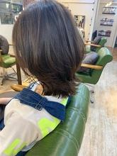 くびれボブネオウルフ外ハネアッシュブラウン|Maria by afloat 添田 晃正のヘアスタイル