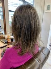 リタッチブリーチ&オリーブグレージュのお客様スタイル|Maria by afloatのヘアスタイル