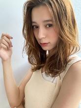 【山田】センターパート小顔ヘルシーレイヤー無造作カールy148 Maria by afloatのヘアスタイル