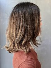 モーブカラーのくびれミディスタイル|MASHU 北堀江店のヘアスタイル