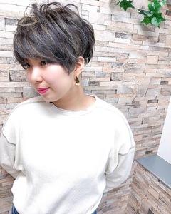 ハイライトのアクセントがめちゃ可愛い^_^|MEGAMI 美容室 西淀川区 塚本店のヘアスタイル
